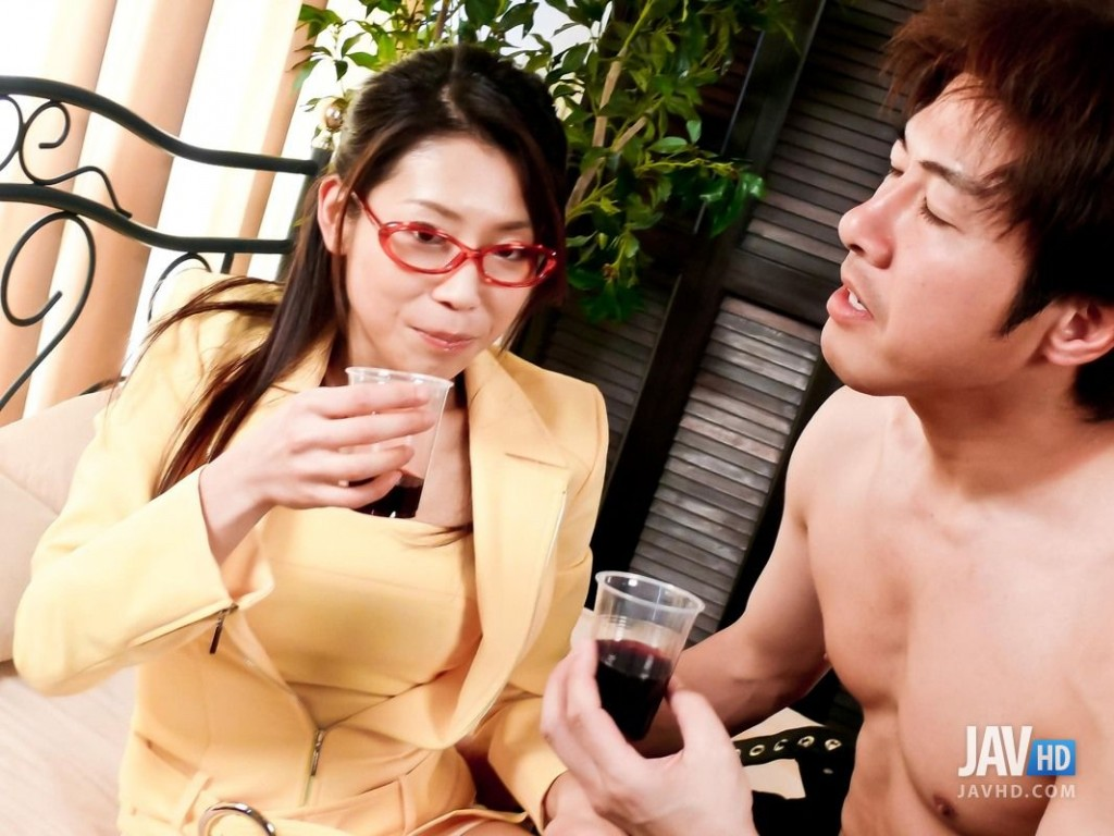 Japanese Mizuki Ogawa Craves For A Rough Office Fuck